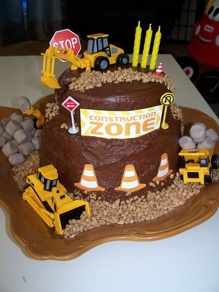 I made this construction cake for my sons 4th birthday! Turned out great and was super easy.
