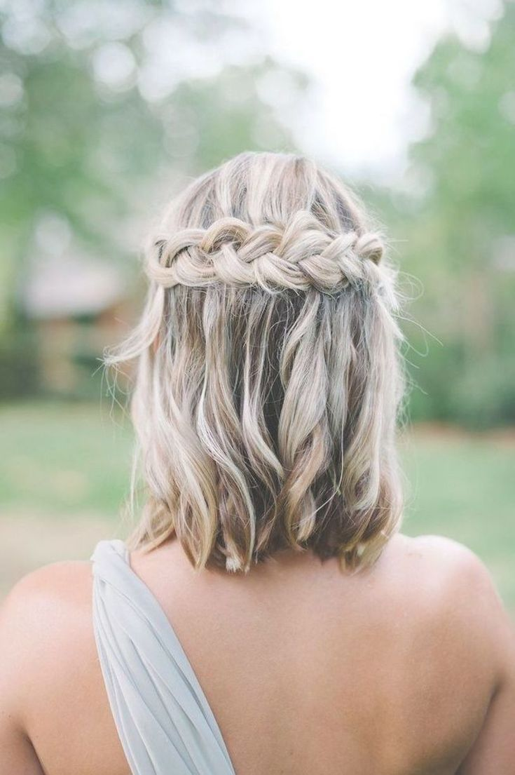 Pin By Sara Petit Tester On Wedding Up Dos In 2020 Short Wedding Hair Long Hair Styles Bridesmaid Hair