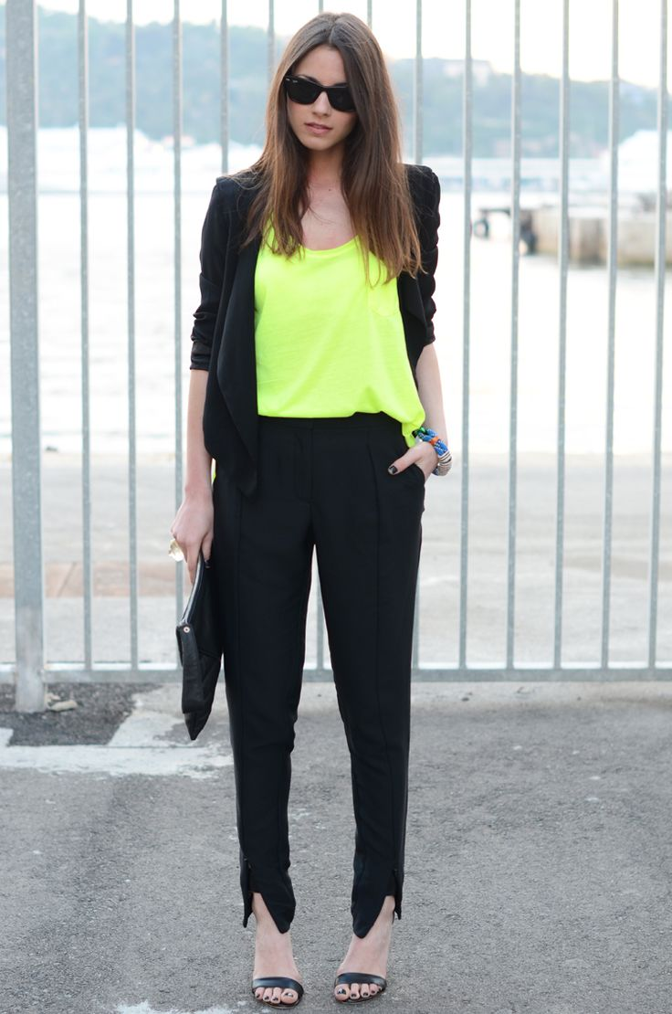 FASHIONVIBE: Neon Pantsuit, Neon Pop, Pop Of Colors, Bracelets, Clutches, Offices Lady, Thanks God, Neon Yellow, Black Blazers