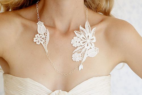 : Brassiere, White Gardens, Silver Necklaces, Idea, Styles,  Bandeau, Accessories,  Bra, Lace Necklaces