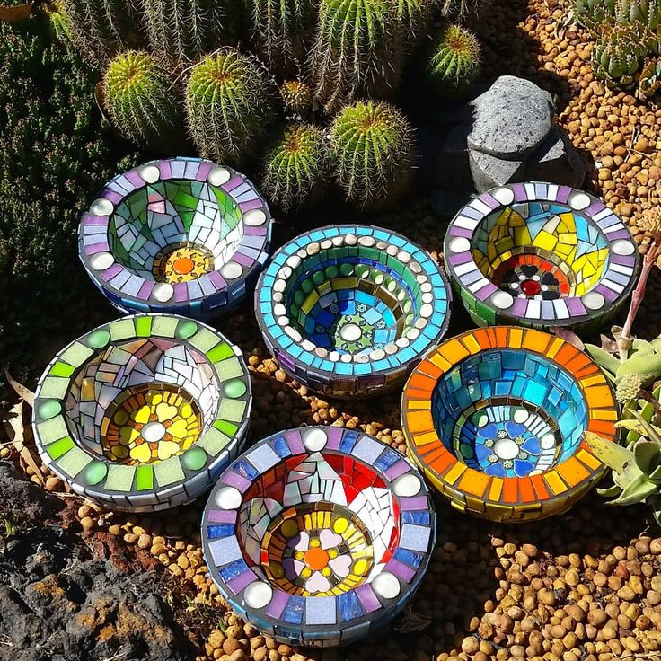 "211 Likes, 19 Comments - Joanna Alferink (@joannaalferink) on Instagram: ""I've been mosaicing some of my concrete bowls!! #joannaalferinkart #mosaicartist #mosaics #colour…"""