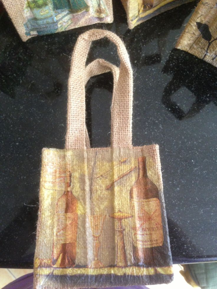 Small hessian gift bags - Wine