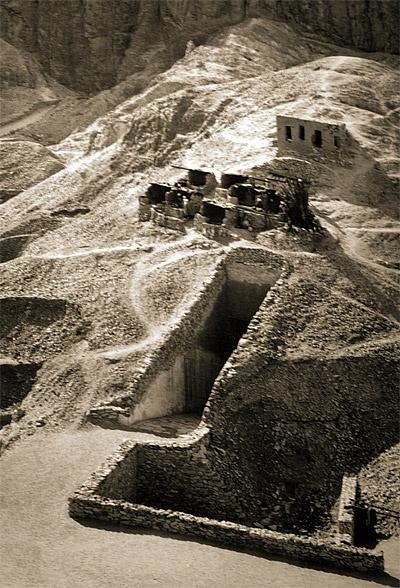King Tut Sarcophagus | King's Tut's tomb opened (1923)