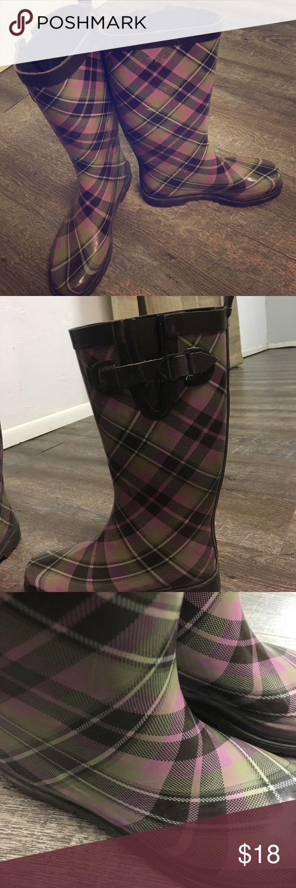 Women's rain boots Women's Capella rain boots size 7. In great condition. Shoes Winter & Rain Boots