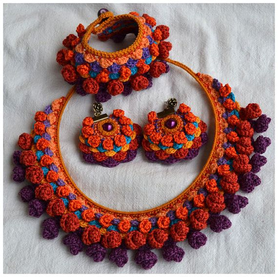 Happy colorful danglesooak crochet earringspurple por Marmotescu