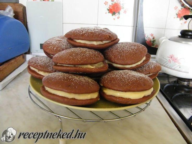 A legjobb Woopie Pie recept fotóval egyenesen a Receptneked.hu gyűjteményéből. Küldte: Orsolyaniac
