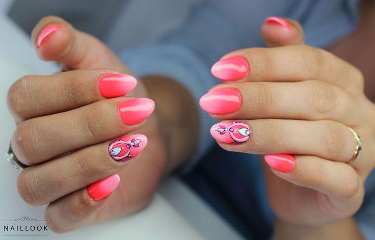 Ombre + zdobienia strukturowe Szkolenia i stylizacja paznokci www.naillook.pl #nail #nails #paznokcie #ombre #nailart #neon #neonnails #nailinspiration #glam #manicure #hybrid