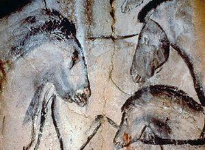 Até agora, pinturas na caverna de Chauvet (nesta foto), na França, eram as mais antigas