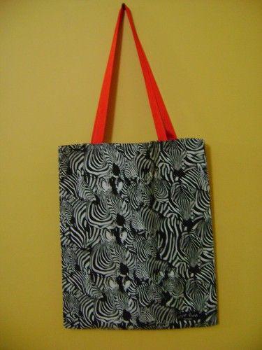 Zebra Desenli Çanta (Kırmızı Saplı) | Hepsi Ev Yapımı