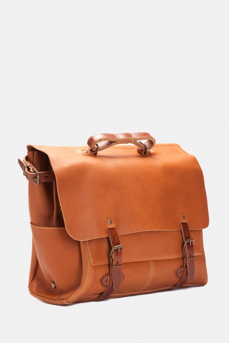 148 best images about a bag for man on pinterest man bags weekender and men 39 s leather. Black Bedroom Furniture Sets. Home Design Ideas