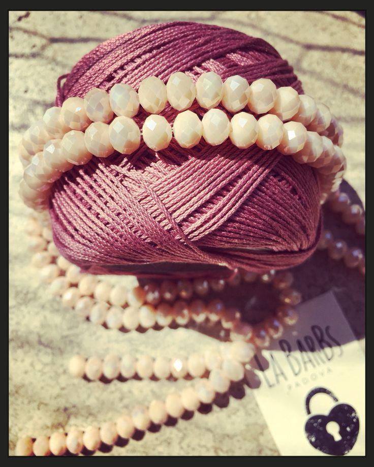 Quante Sfumature di Rosa ha questa Delicata Giornata...  #labarbs #bigiotteria #bigiotteria #bigiotteriaartigianale #fattoamano #handmade #padova