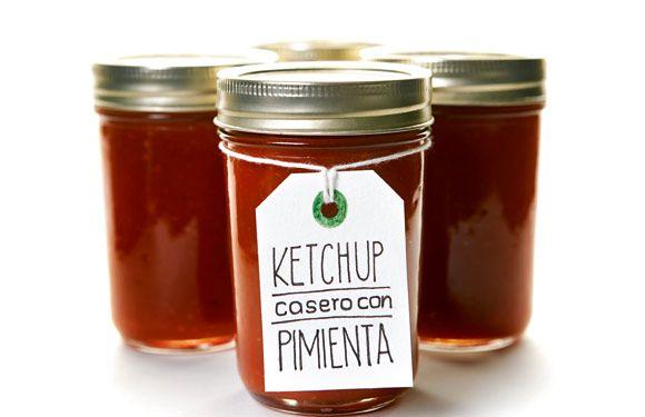 Ketchup casero de tomates con pimienta de Jamaica ¡en tarro de vidrio!