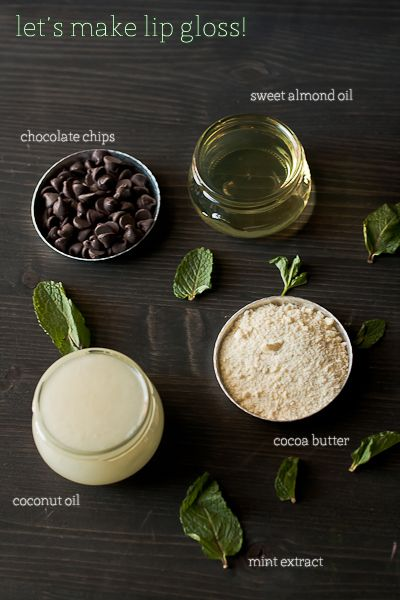 Make your own chocolate mint lip gloss!