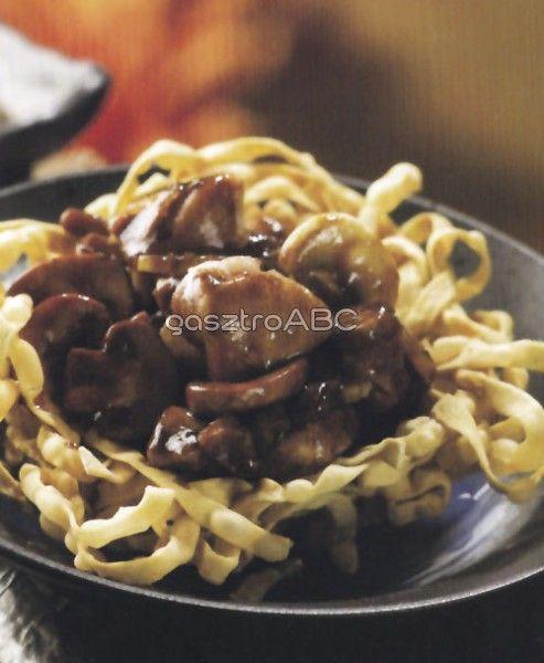 Csirkés chow mein tésztakosárkában   Receptek