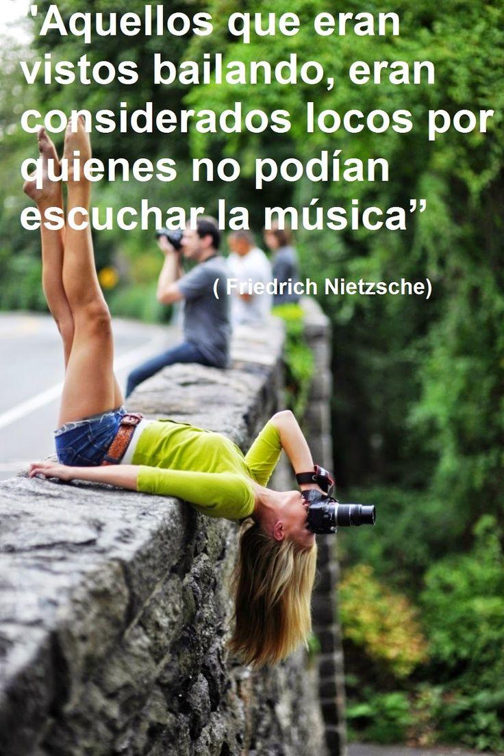 Aquellos que eran vistos bailando, eran considerados locos por quienes no podían escuchar la música