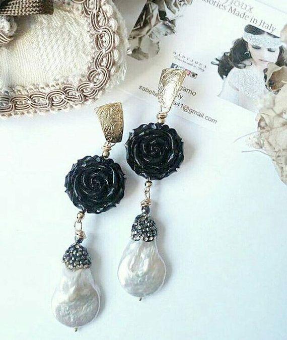Rose nere e perle barocche di Sabjoux su Etsy
