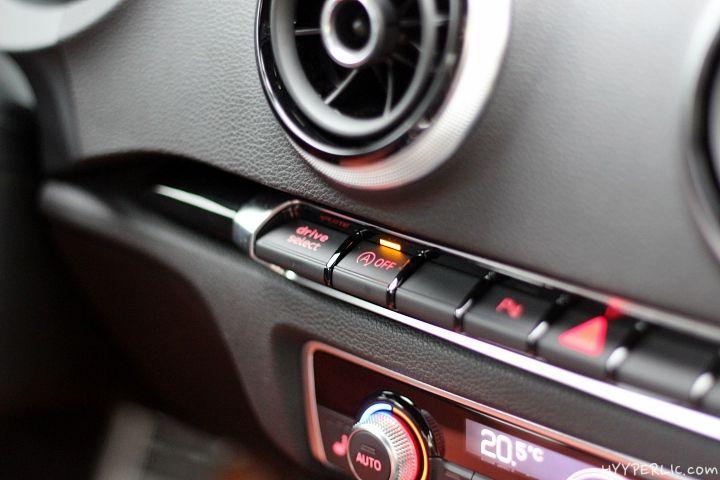 Eine nicht ganz so umfangreiche Bildergalerie wie sonst (A1, A3 e-tron, A8,..), aber der Audi S3 ist natürlich ein nicht minder gutes Auto. Wir hatten die Möglichkeit den 300 PS Sportler in weiß zu fahren, weiteres im bald folgenden Testbericht. S3 Logo Google+ Ähnliche Beiträge