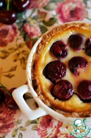 Вишневый пирог в творожно-сметанной заливке
