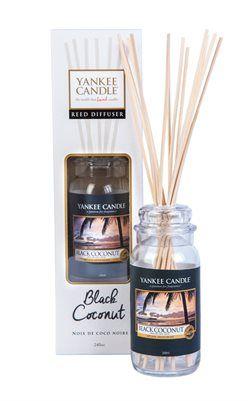 Classic Reeds- Nyhet hösten 2015! Reeds med ny form och större storlek, 250 ml doftolja. Upp till 16 veckors doftspridning. Black Coconut-Solnedgång i paradiset...Rik kokosdoft, cederträ och paradisets blommor ger en lyxig känsla av lugn och ro. #YankeeCandle #ClassicReeds #BlackCoconut