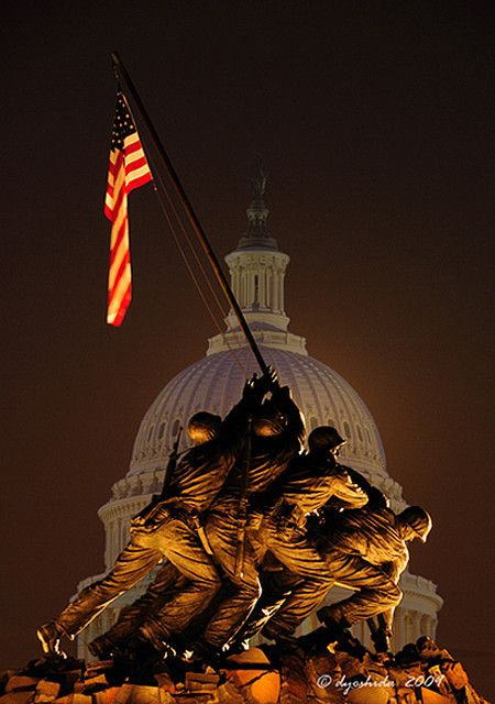 Iwo Jima and the Capitol, Washington D.C.; photo by Dyoshida