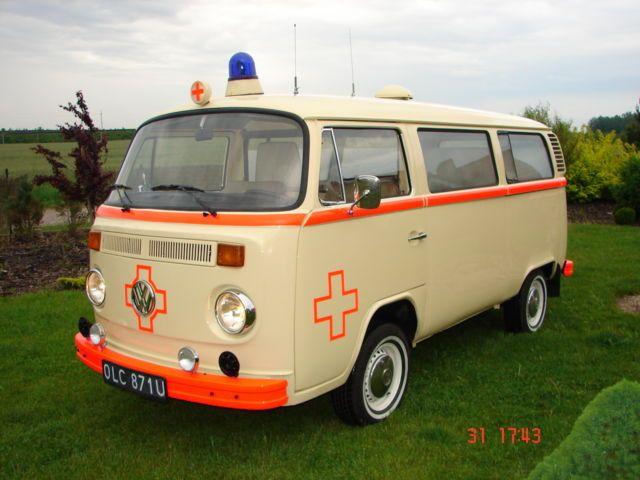 vw t2 krankenwagen ktw bus oldtimer bulli 70 ps 2 0 l. Black Bedroom Furniture Sets. Home Design Ideas