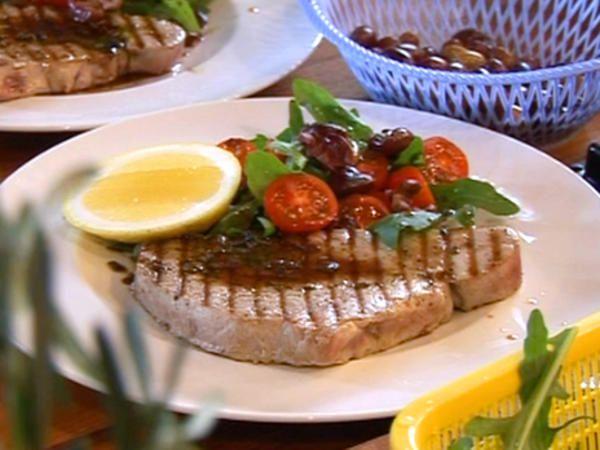 Grillad tonfisk med brynt honungs och rosmarinsmör