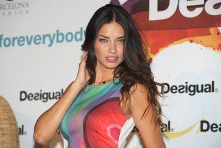 Adriana Lima es la cara de Desigual http://www.guiasdemujer.es/browse?id=6475&source_url=http://bellezaymoda.univision.com/nbl-u/celebridades/lo-ultimo/article/2014-04-29/adriana-lima-es-la-cara-de-desigual?ftloc=channel1342:wcmWidgetUimStage&ftpos=channel1342:wcmWidgetUimStage:1