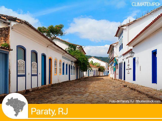 PARATY / RJ - está situada dentro da Baia da Ilha grande. De mar calmo e clima tropical, a cidade tem amplitude térmica considerável, com temperaturas próximas de 30 graus no verão, mas não ficando muito abaixo de 20 graus no inverno.