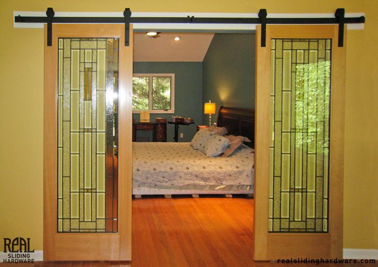 Guest bedroom art glass sliding doors  Denoffice ideas