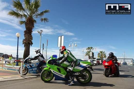 Simplemente Motos En La Ii Reunion Motos Old De Benalmadena Kawasaki Motorcycles Motorcycle Kawasaki