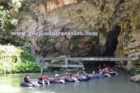Goa Pindul - Goa Pindul memiliki panjang sekitar 350 m, lebar hingga 5 m, jarak permukaan air dengan atap gua 4 m, dan kedalaman air sekitar 5-12 m. Goa ini memiliki 3 zona. zona terang, zona remang, dan zona gelap. waktu tempuh sekitar 45 menit.