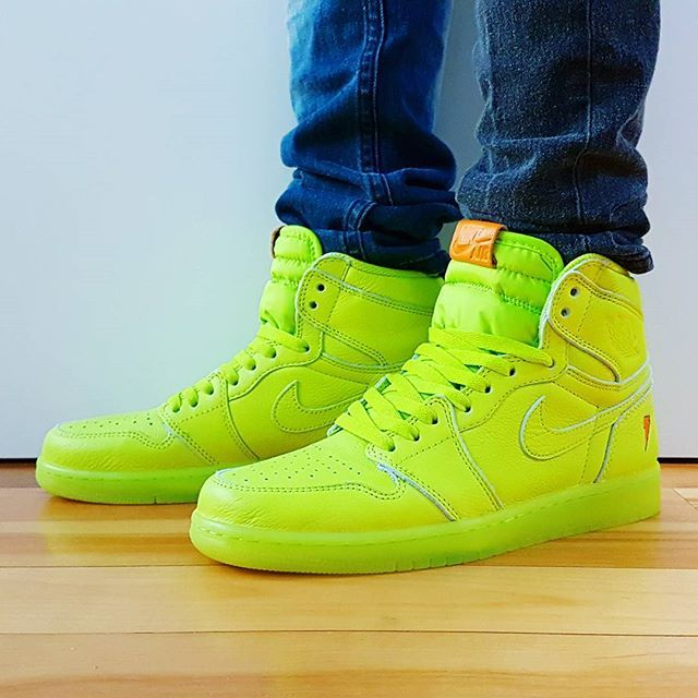 c07c0b60ff0 Go check out my Air Jordan 1 Retro Gatorade Lemon Lime on feet channel link  in