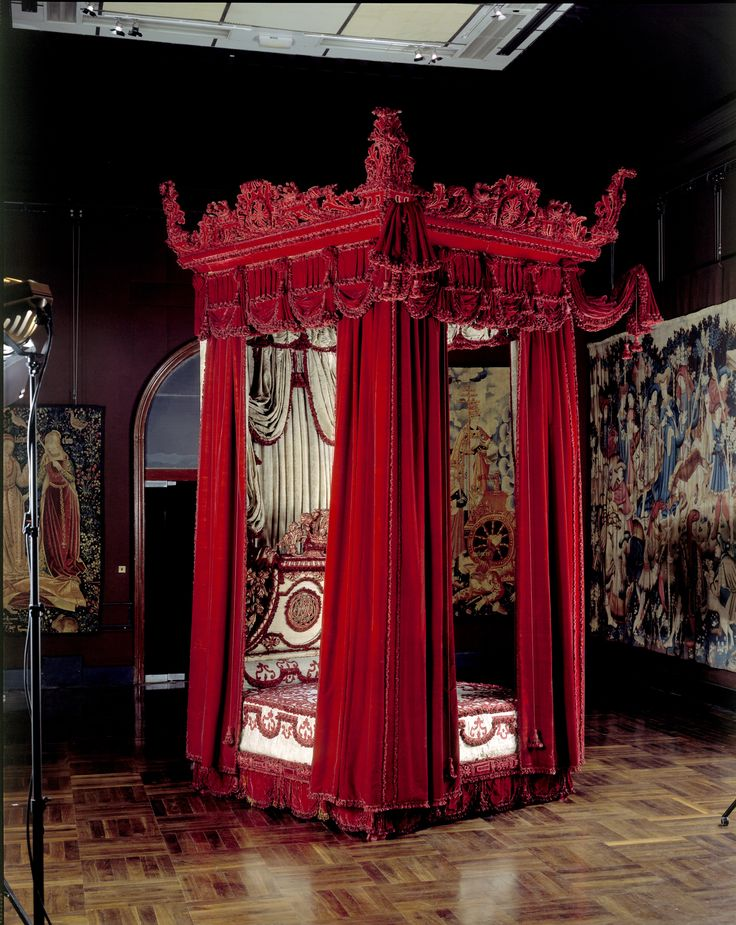 The Melville Bed, Daniel Marot (possibly designer) and Francis Lapiere (possibly maker), about 1700, probably London, museum no. W.35-1949. | The Victoria and Albert Museum, London. Given by the Rt. Hon. the Earl of Melville