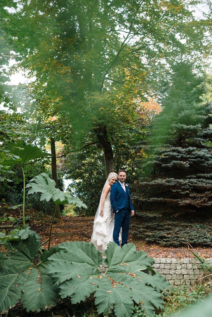 Rivervale Barn Wedding Near Yately Photographer For Venue Wokingham Based Autumn At
