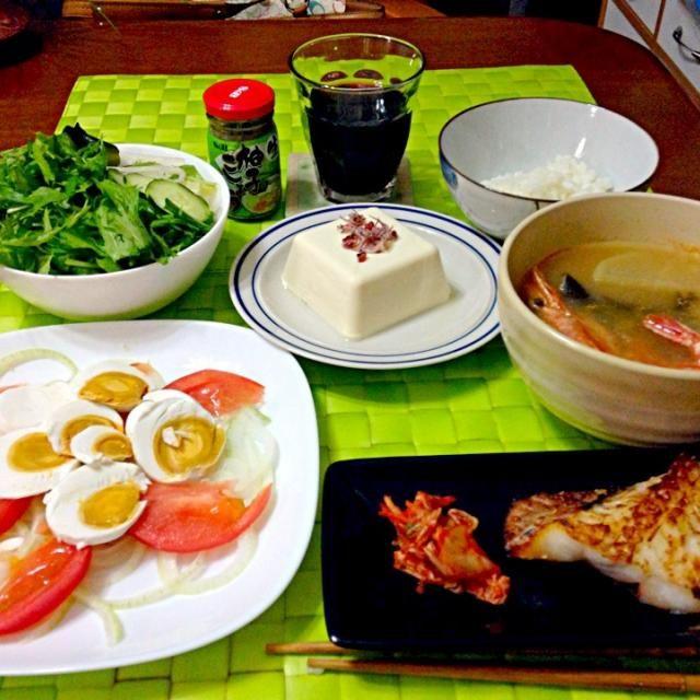 昨晩の深夜の晩餐 フィリピンの塩卵はトマトとスライスオニオンを添えて頂きます♫  シニガン・ナ・ヒーポン つぼ鯛一夜干し 水菜ミックスサラダ 冷奴 赤ワイン - 37件のもぐもぐ - イトログ ナ プラ【赤卵:フィリピン風塩卵】 by マニラ男