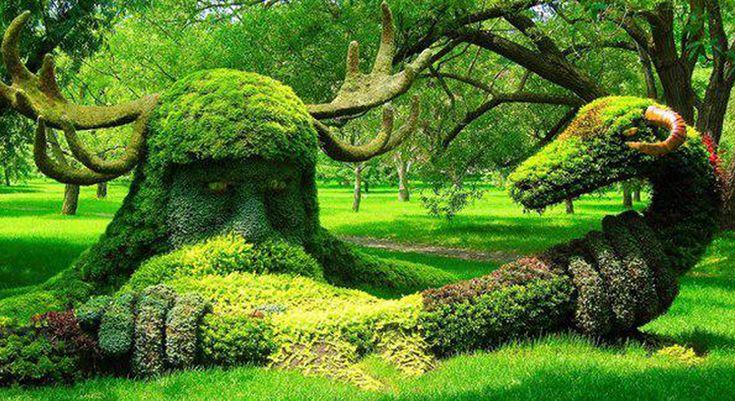 #ENVIRONMENT Eenvironment es un arte ambiental realizado suele estar al aire libre. Se le conoce como ecológico dándole con ello una reflexión a la sociedad por la cantidad de productos desechados que tenemos en nuestro día a día.