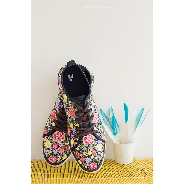 Hand painted Men Canvas Shoes, Men Sneakers with flowers, summer... (6,345 INR) ❤ liked on Polyvore featuring men's fashion, men's shoes, mens shoes, mens summer shoes, mens floral shoes, mens canvas shoes and mens floral print shoes