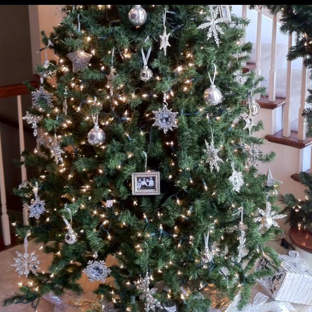 220 best Christmas Trees images on Pinterest   Christmas ideas ...