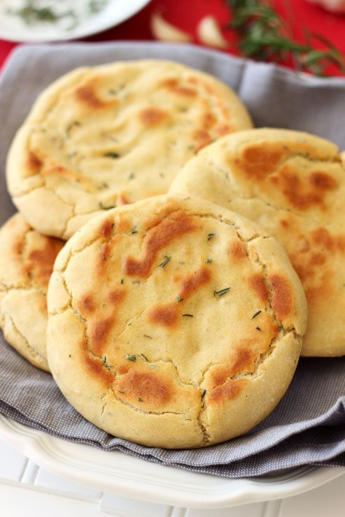 Gluten Free and Yeast Free Rosemary and Garlic Flatbread | Recipes Worth Repeating