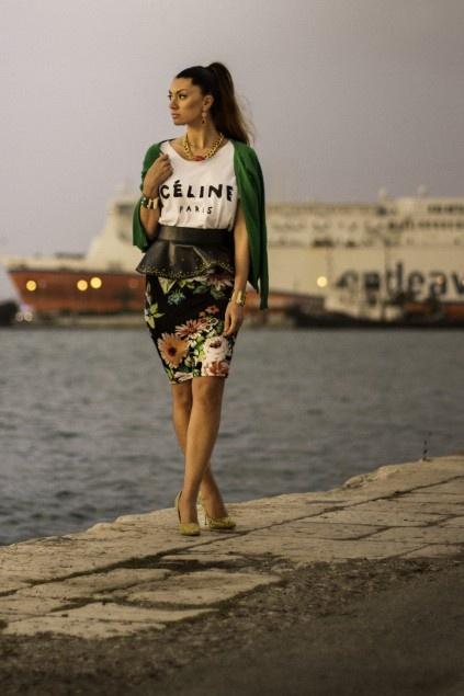 between new & old port..  http://www.vintaged.gr/?p=181