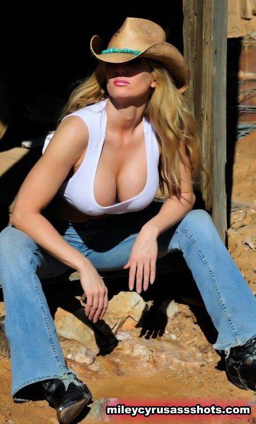 bootyscarlett-model-mayhem-cowgirl-nude-deepthroating-pamela