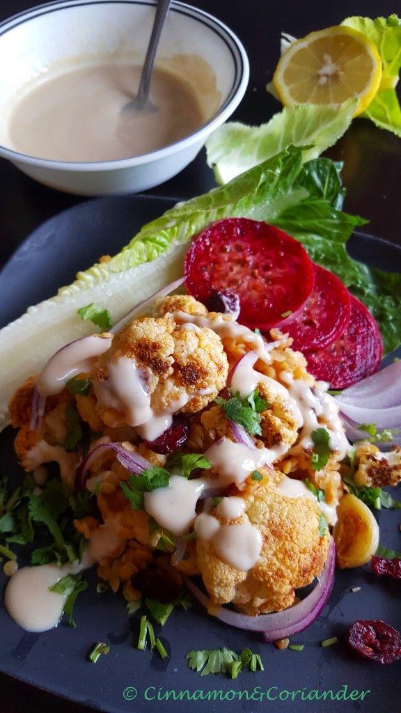 Linsen Salat mit geröstetem Blumenkohl, Cranberries und Tahini Dressing. Ein genialer Salat für alle Jahreszeiten