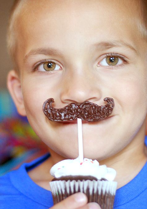 Edible Mustache Decor!     This would so work for the Men's Conference coming up!!!!  @Holly Elkins Bennett  @Becky Hui Chan Brooks