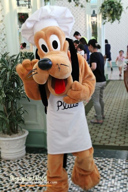 Cuisine Paradise | Singapore Food Blog | Recipes, Reviews And Travel: [Day 2]Breakfast Plus Meet-and- Greet with Disney Characters at Enchanted Garden Restaurant (翠乐庭餐厅)  - Say Hi to Pluto!