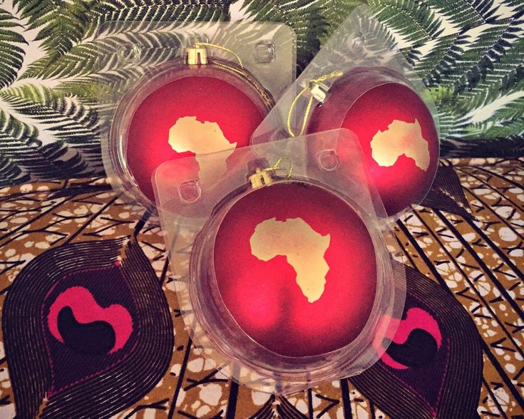 Decorate your house with this beautiful red Africa ornament. They look fabulous & stylish with the golden Africa symbol and they are shatter poof!