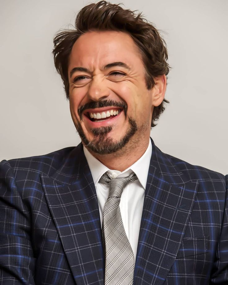 "#RobertDowneyJr #RDJ - ROBERT DOWNEY JR | H.A.N (@imrobertdowneyjr) on Instagram: """"I never get tired of smiling. I'm just the kind of guy who likes to smile"" . . #rdj…"""