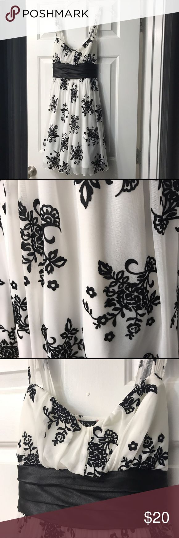 Formal Dress Black and White Formal Dress- great for so many occasions such as school formals/dances, baby showers, bridal showers, weddings and more! Very cute and comfortable dress-only worn once, great condition! Trixxi Dresses