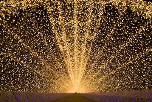 Light Tunnel, Japan