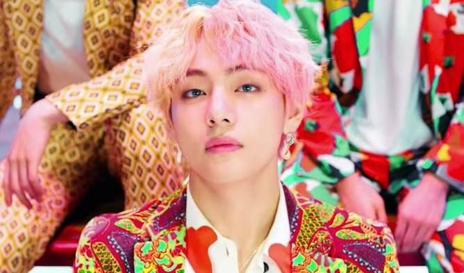 South Korean Netizens Say These K Pop Idols Have Beautiful Noses Like Western People Taehyung Bts V Photos Bts V Merchandise