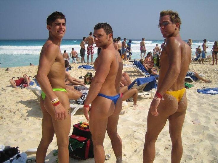 Кончают парни на пляже в стрингах фото сперма спящая девушки